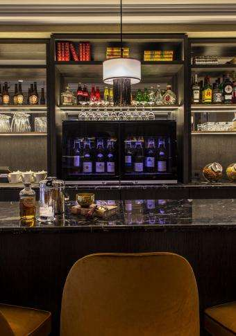 Lenox Montparnasse - Honesty Bar